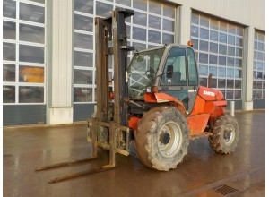 Stivuitor teren accidentat Manitou 4x4