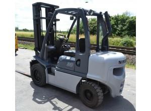 Stivuitor Diesel Nissan 3 tone