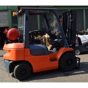 Stivuitor GPL 2 tone Toyota