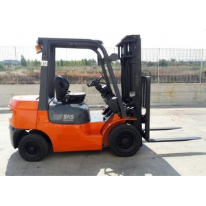 Stivuitor Diesel 2.5 tone Toyota